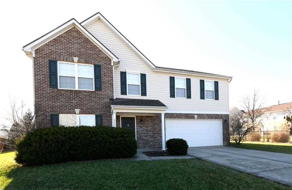 6777 Hampshire Drive, Zionsville, IN 46077   MLS #21614160 Photo 1
