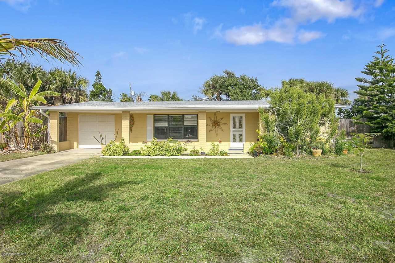 126 E E Pasco Lane Cocoa Beach, FL 32931 | MLS 833752 Photo 1