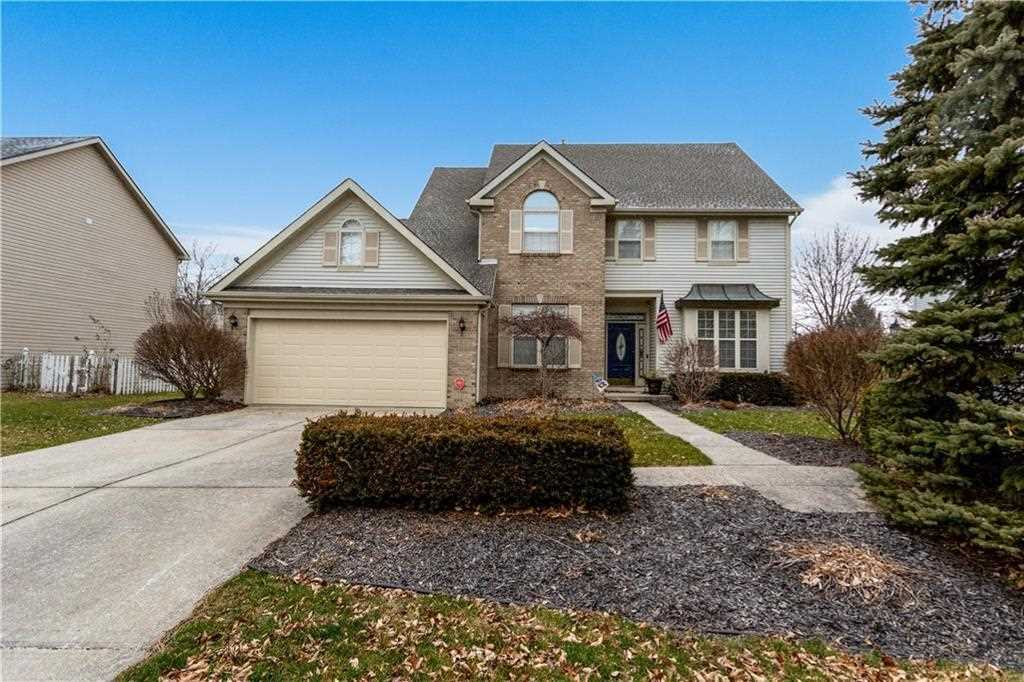 12740 Crystal Pointe Drive Indianapolis, IN 46236 | MLS 21613952 Photo 1