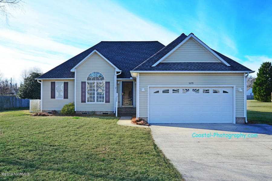 1635 Crawfords Pointe Drive Greenville, NC 27834 | MLS 100145558 Photo 1