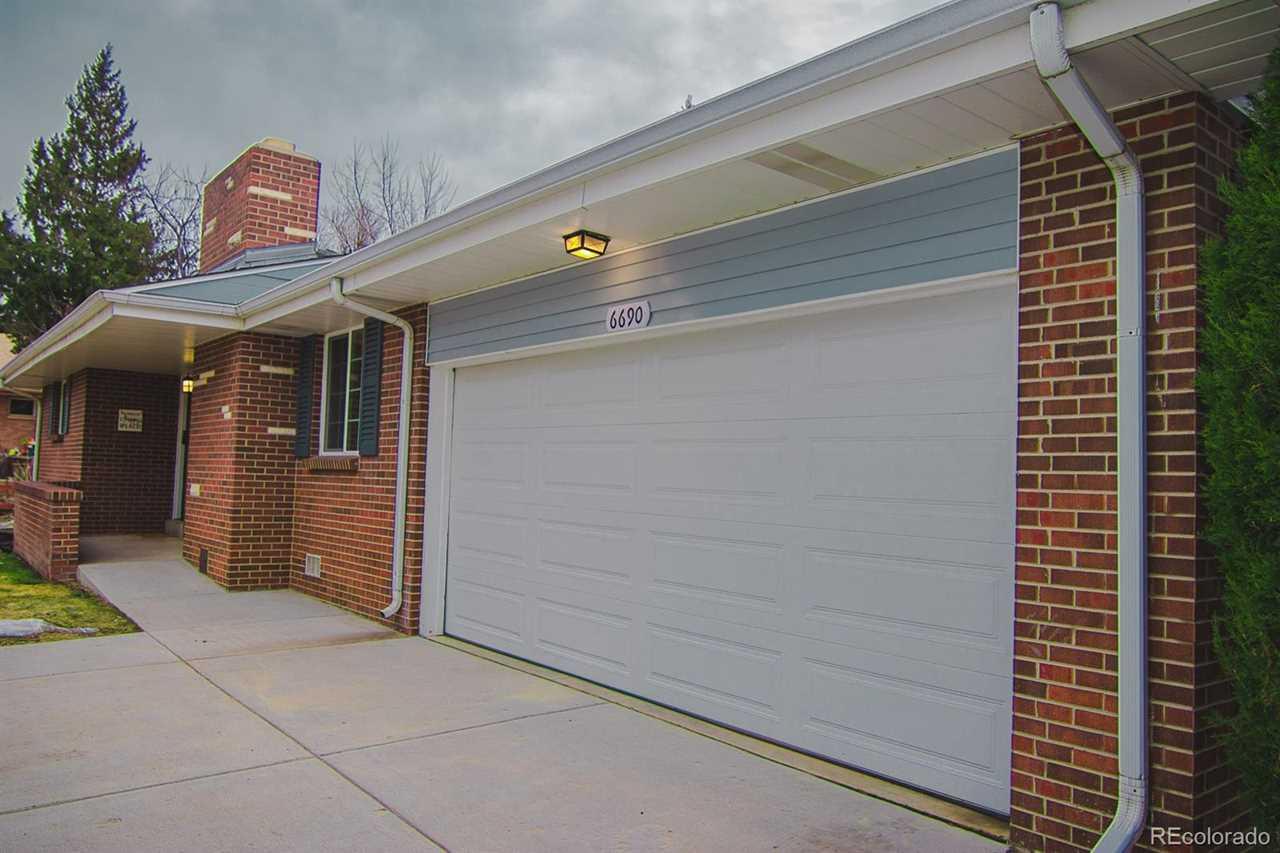 6690 South Delaware Street Littleton, CO 80120 | MLS 3859121 Photo 1