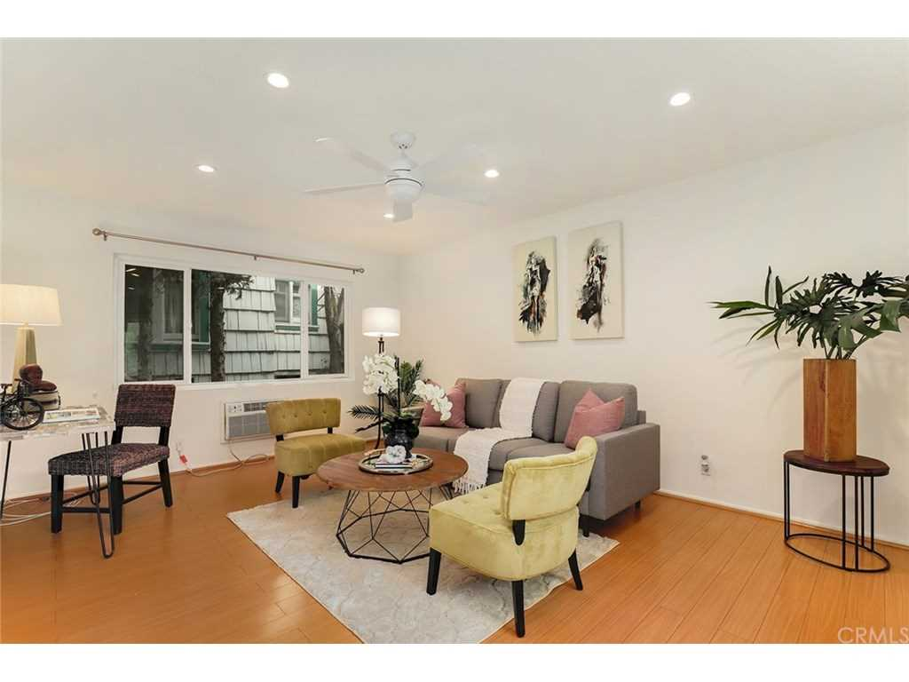 2915 St George Street #3, Los Angeles, CA 90027 | MLS #PF19006949  Photo 1