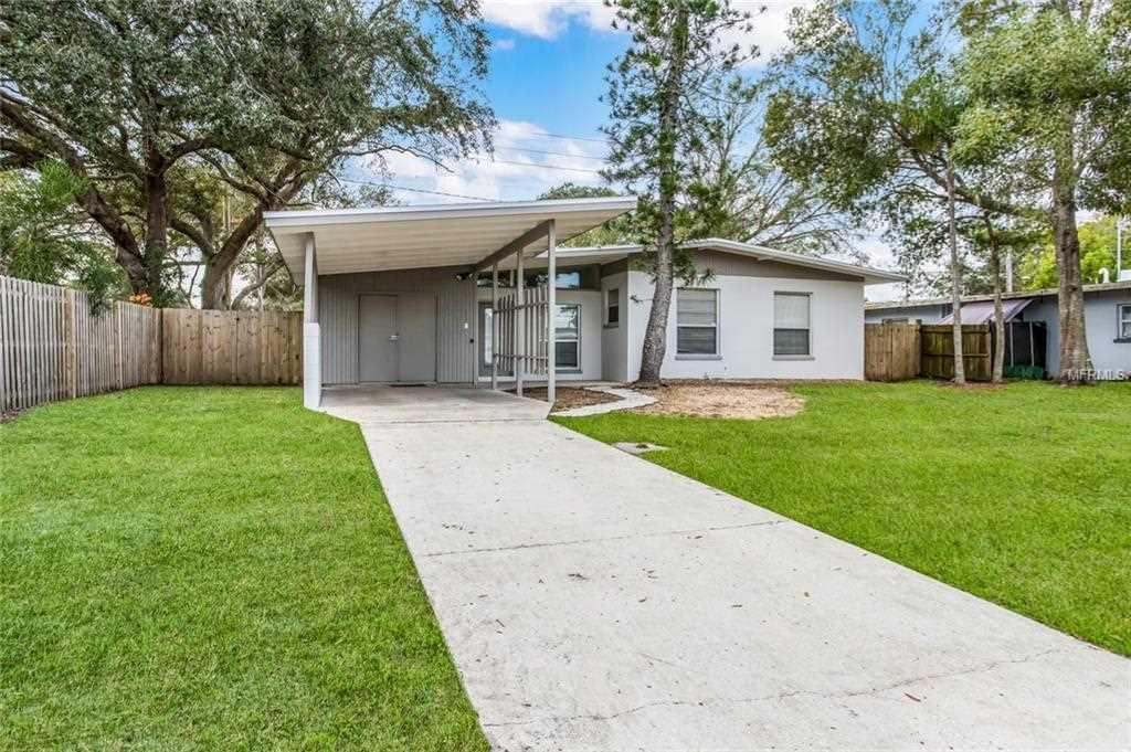 000 Confidential Ave. Sarasota, FL 34237 | MLS A4423778 Photo 1