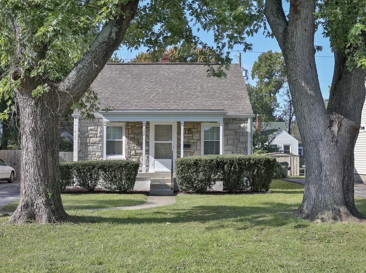 122 Colonial Dr Louisville, KY 40207 | MLS #1516707 Photo 1