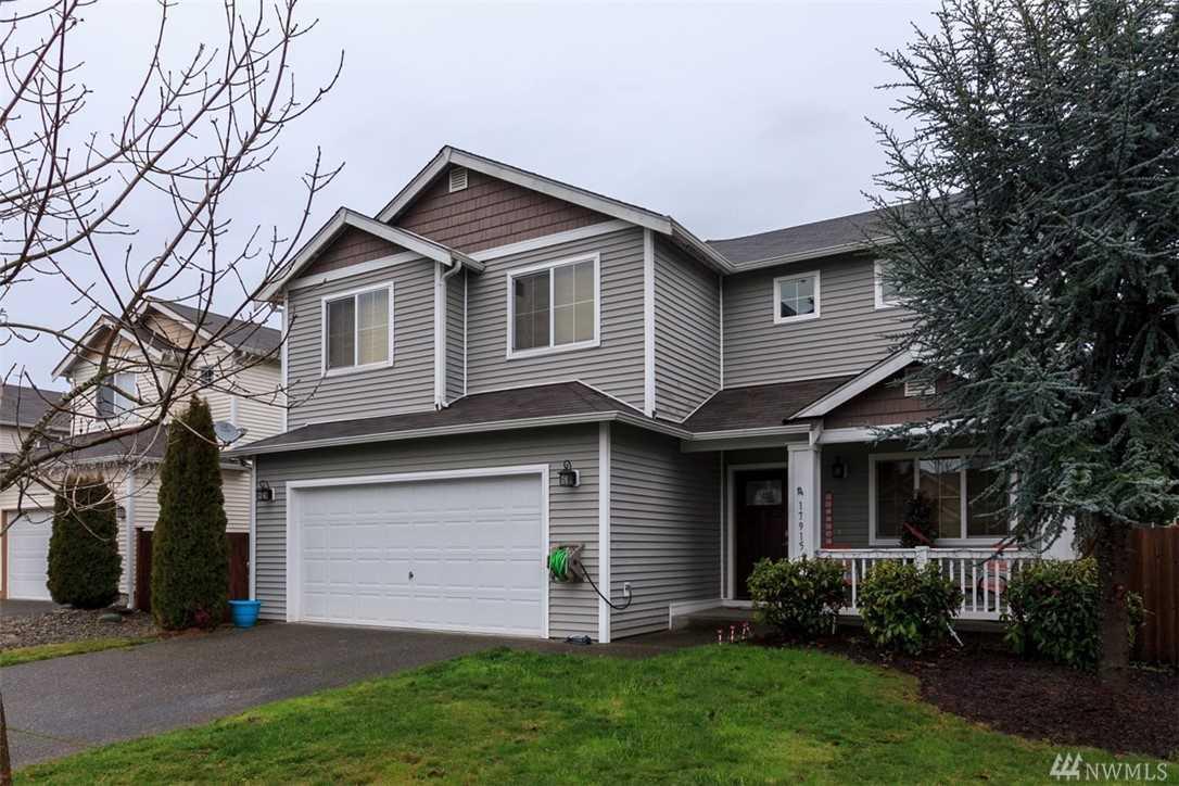 17915 36th Ave E Tacoma, WA 98446   MLS ® 1400145 Photo 1