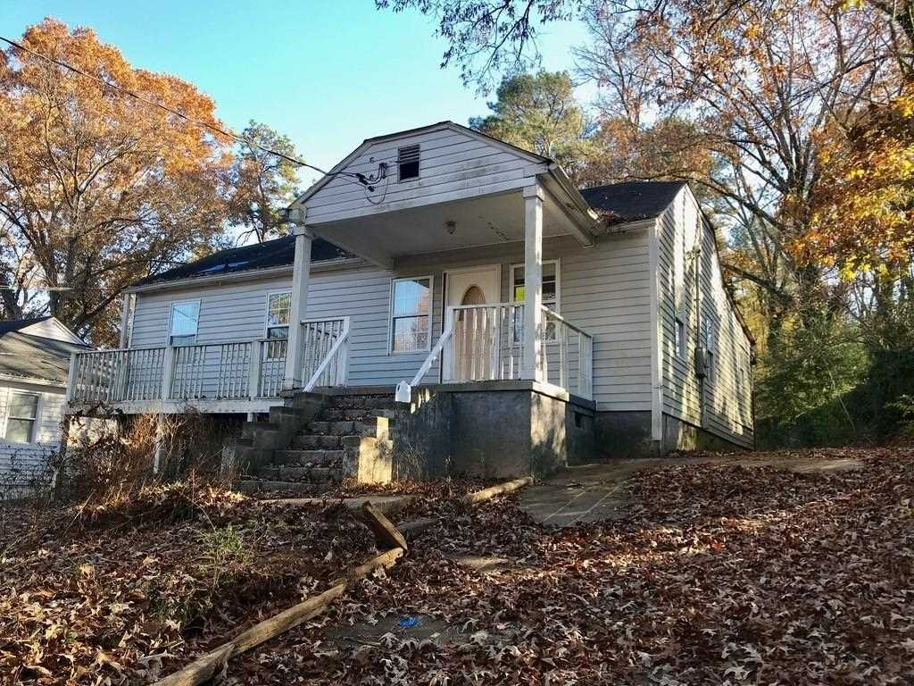 1559 Braeburn Dr SE is a homes for sale located in the East Atlanta community of Atlanta Photo 1