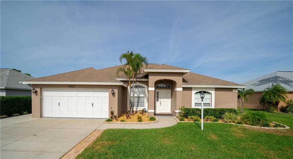 4821 Post Pointe Drive Sarasota, FL 34233 | MLS A4423650 Photo 1