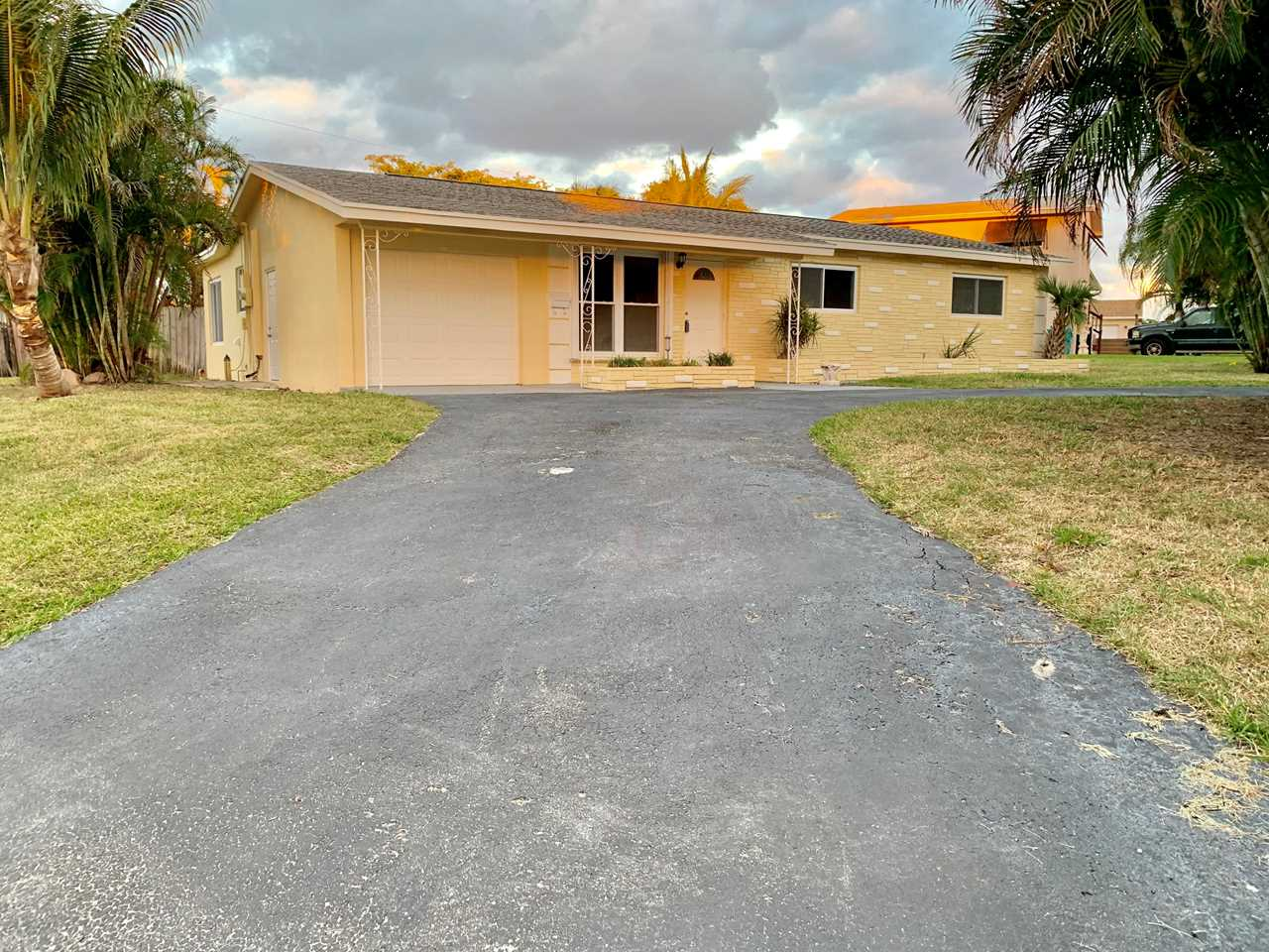 345 SW 10Th Avenue Boynton Beach, FL 33435 - MLS# RX-10494785 | BoyntonBeachRealEstate.com Photo 1