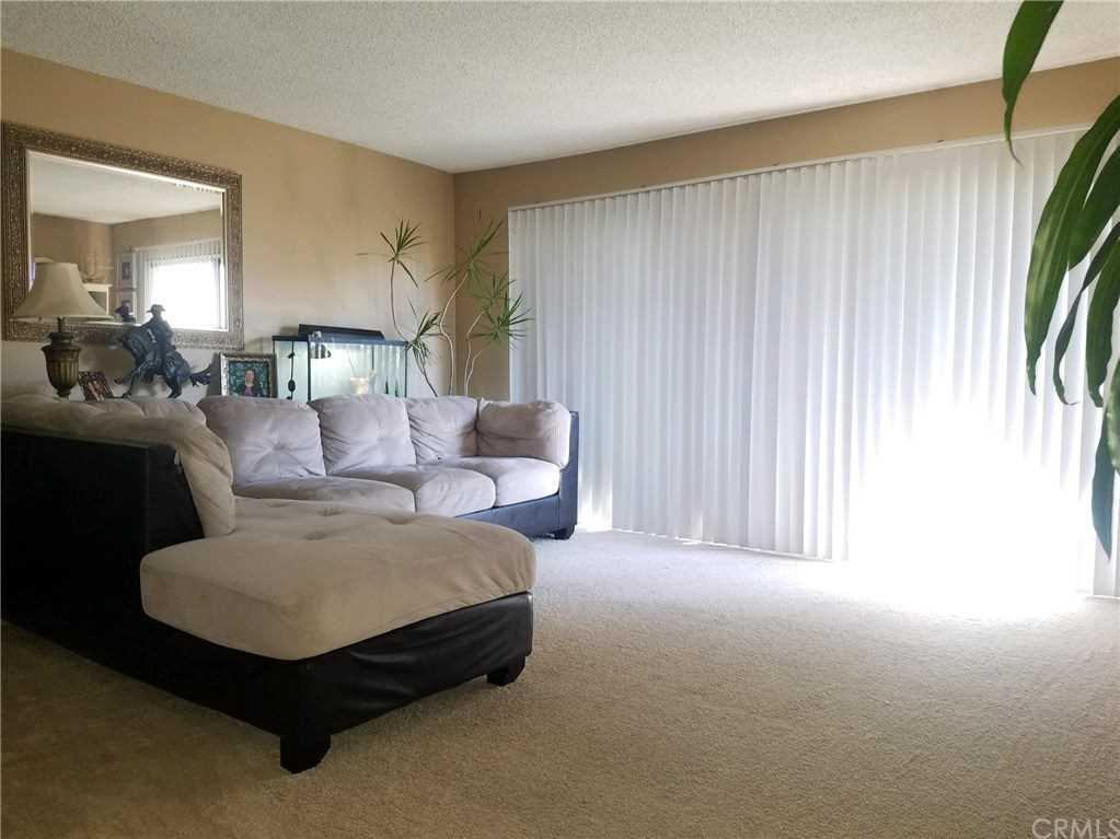 3050 S Bristol Street #3F Santa Ana, CA 92704   MLS PW19001058 Photo 1