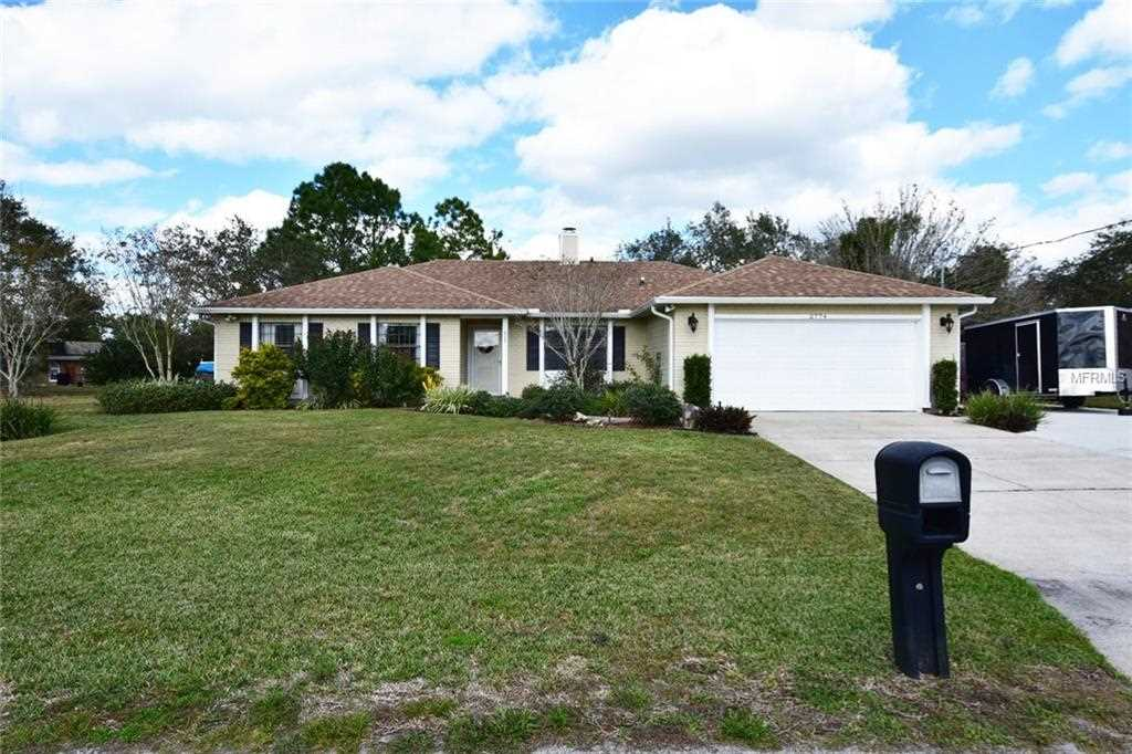2774 Thornberry Court Deltona, FL 32738 | MLS V4905001 Photo 1