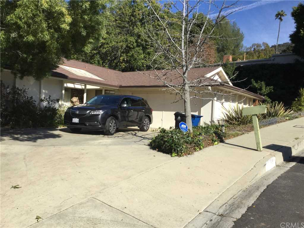 1695 Clear View Drive, Los Angeles, CA 90210 | MLS #WS19002882  Photo 1