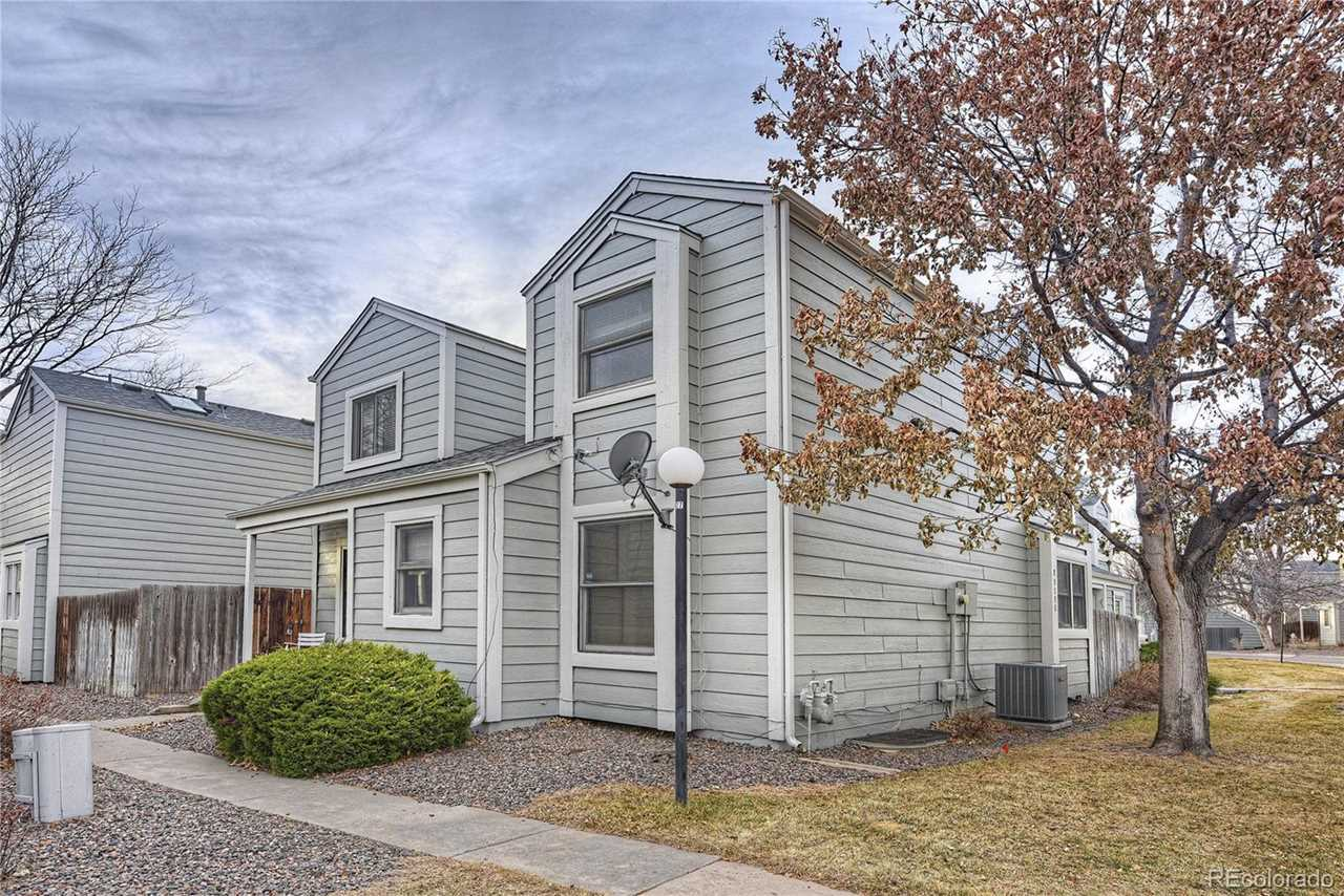 11628 East Cornell Circle located in Aurora, CO 80014 with MLS#9473169 Photo 1
