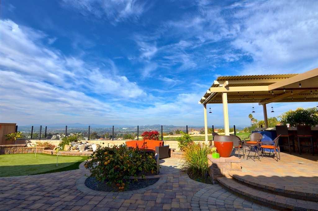 1106 Ocean Ridge Ct Oceanside, CA 92056 | MLS 190002631 Photo 1