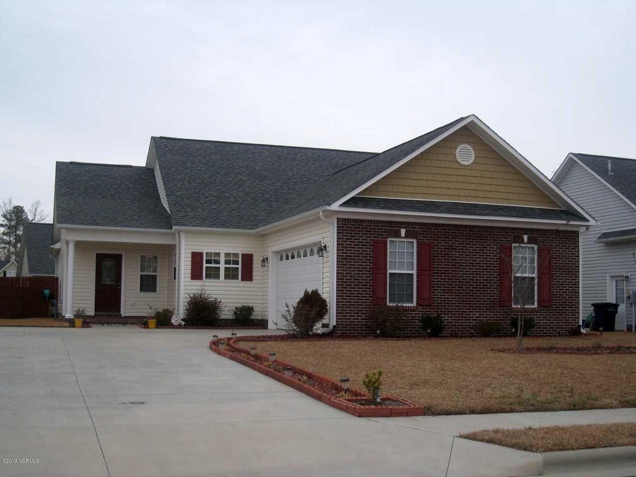 102 Ravenscroft Way Jacksonville, NC 28540 | MLS 100145770 Photo 1
