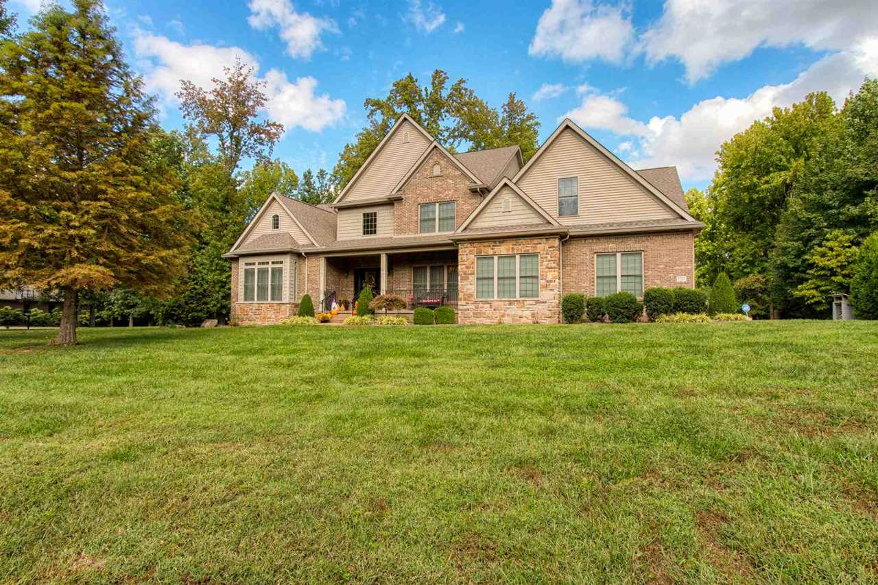 8900 Waterford Drive Mount Vernon, IN 47620 | MLS 201847822 Photo 1