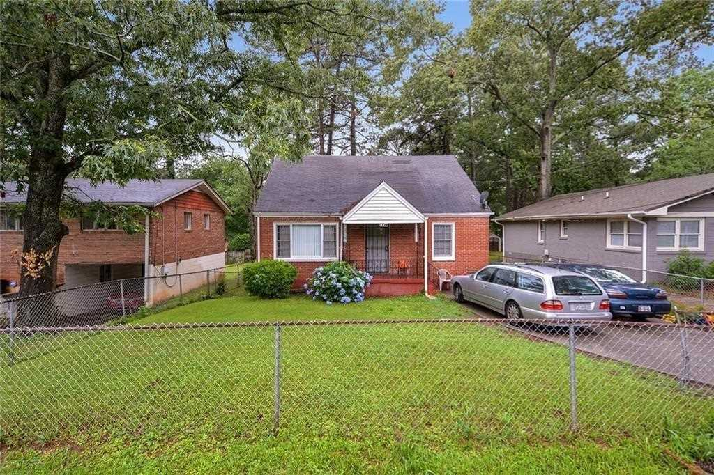 427 Hooper St is a homes for sale located in the East Lake community of Atlanta Photo 1