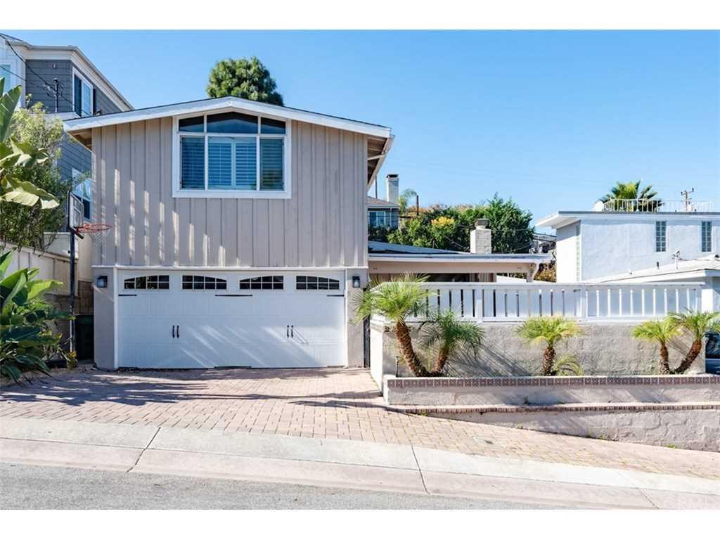 2105 Walnut Avenue in Manhattan Beach, CA - MLS# SB19018685 Photo 1