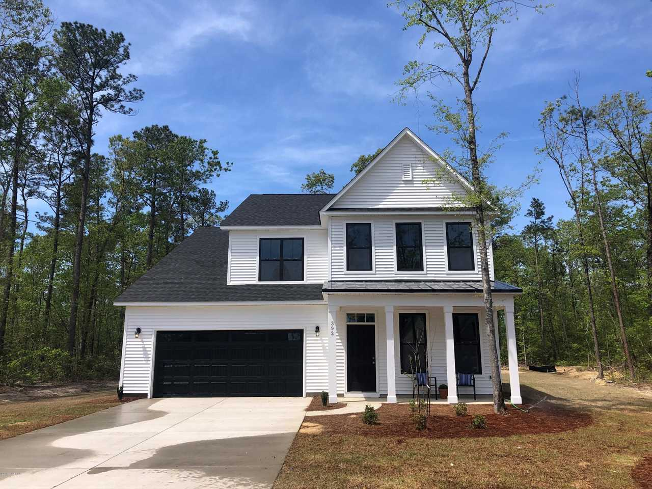 Home For Sale At 392 Bronze Drive, Rocky Point NC in The Knolls At Turkey Creek Photo 1