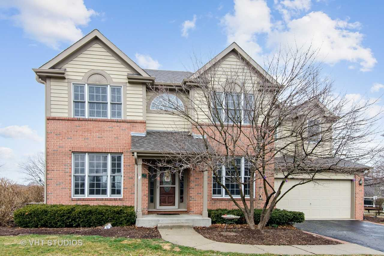 7 Point O Woods Ct Lake In The Hills, IL 60156 | MLS 10259168 Photo 1