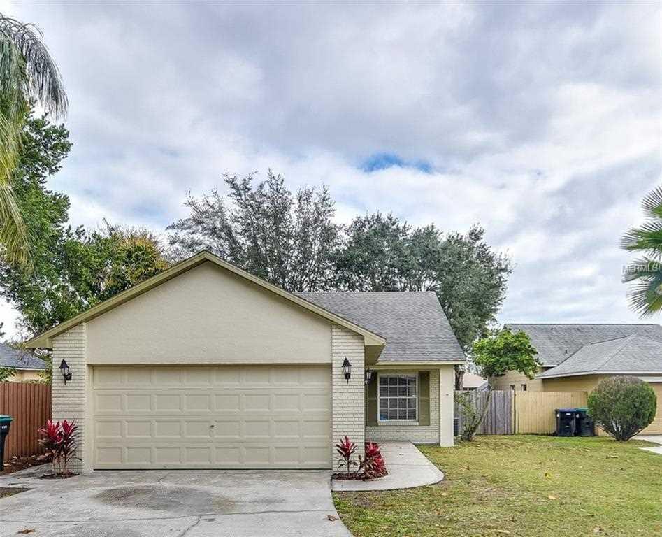 11701 Cuxham Drive Orlando, FL 32837 | MLS O5759614 Photo 1