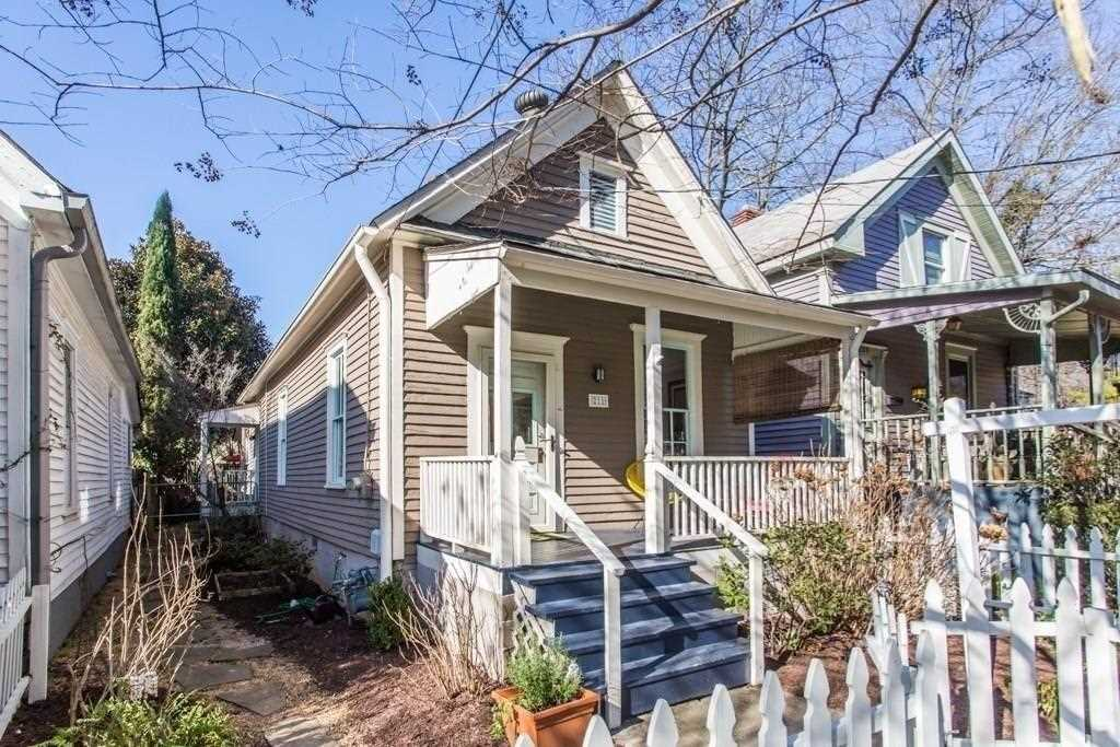 211 Estoria St SE is a homes for sale located in the Cabbagetown community of Atlanta Photo 1