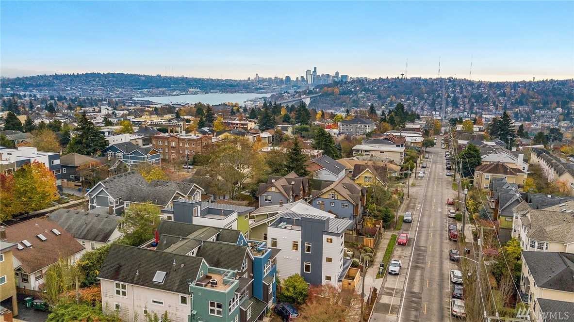 4424 Phinney Ave N Seattle, WA 98103 | MLS ® 1389333 Photo 1