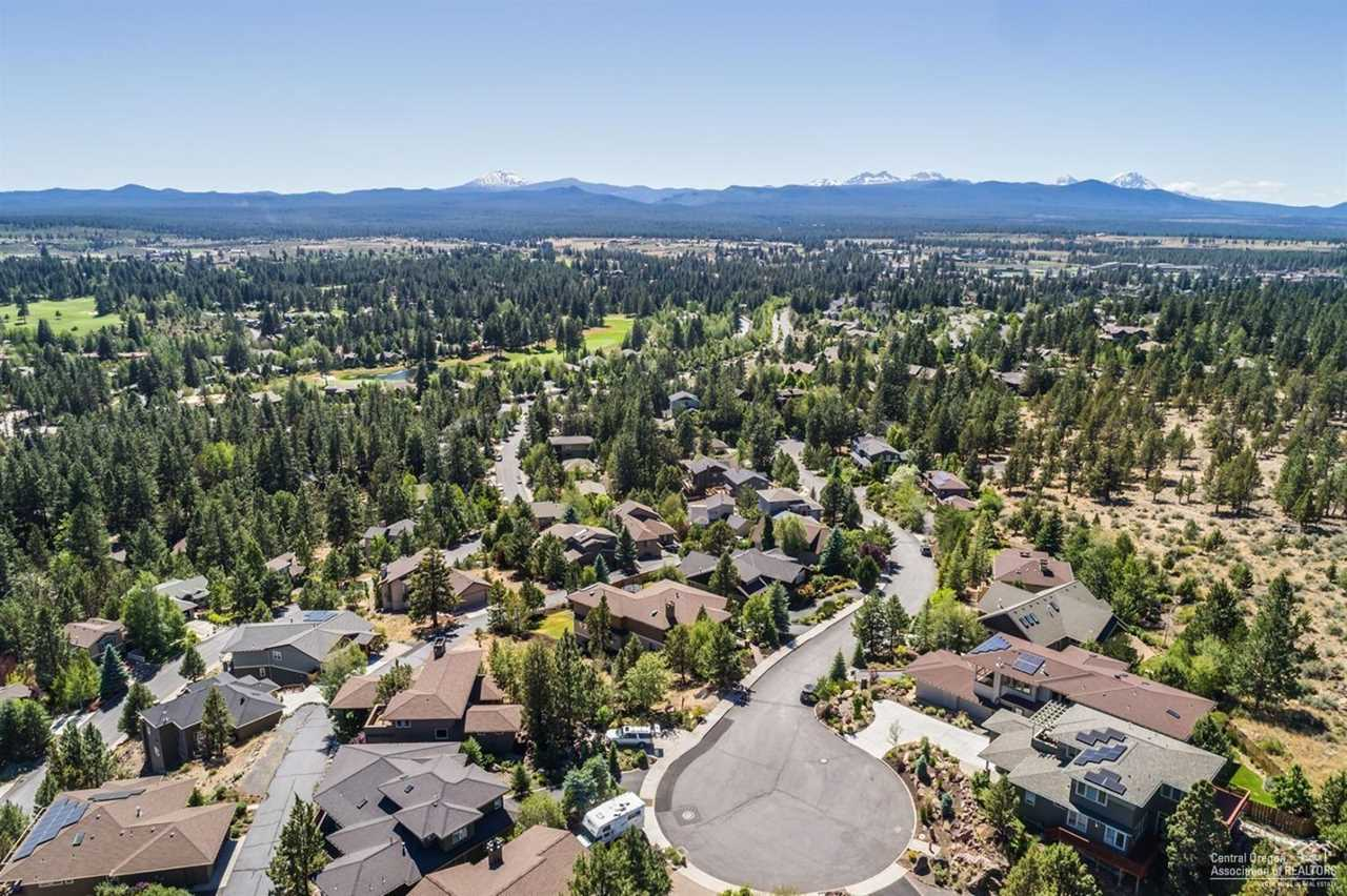 1835 Turnberry Place Bend, OR 97702   MLS 201900717 Photo 1