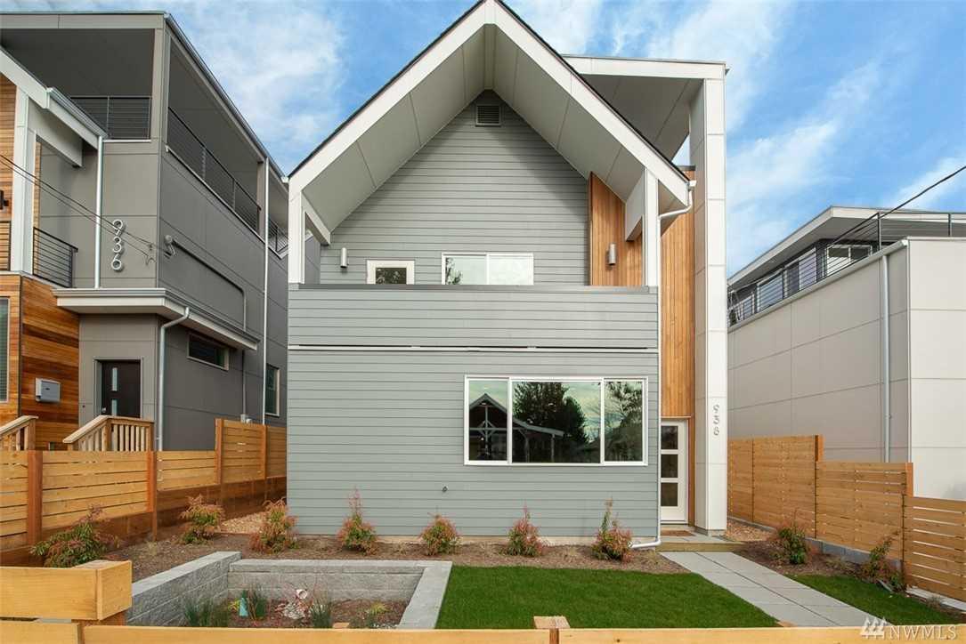 938 N 77th St Seattle, WA 98103 | MLS ® 1407555 Photo 1
