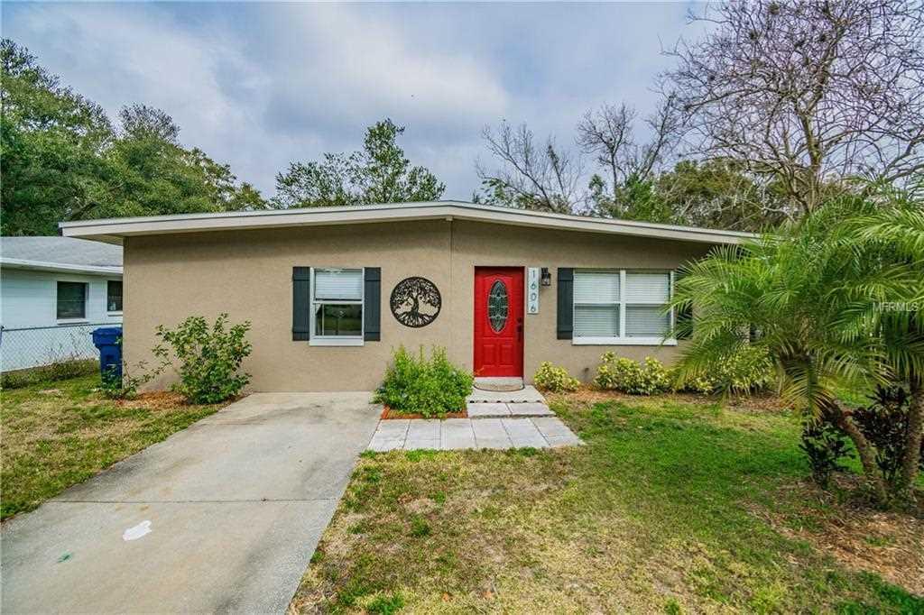 1606 E Paris Street Tampa, FL 33610 | MLS T3155584 Photo 1