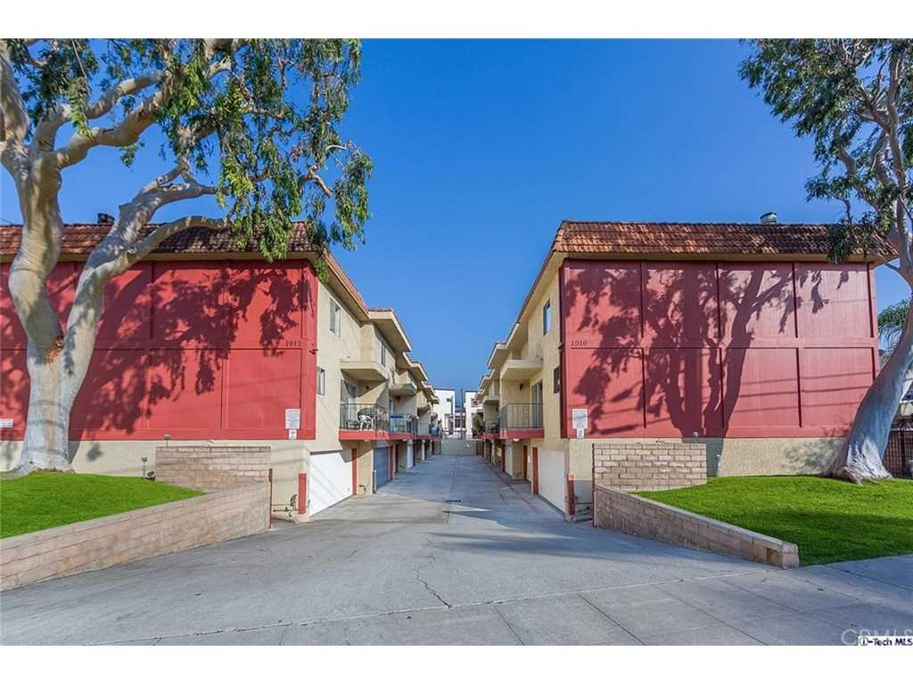 1910 Grismer Avenue #A, Burbank, CA 91504 | MLS #319000463  Photo 1