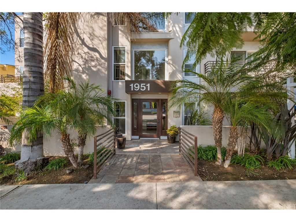 1951 N Beachwood Drive #206, Hollywood Hills, CA 90068 | MLS #SR19026272  Photo 1