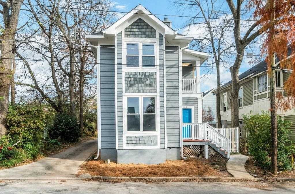 308 Harden St SE is a homes for sale located in the Grant Park community of Atlanta Photo 1