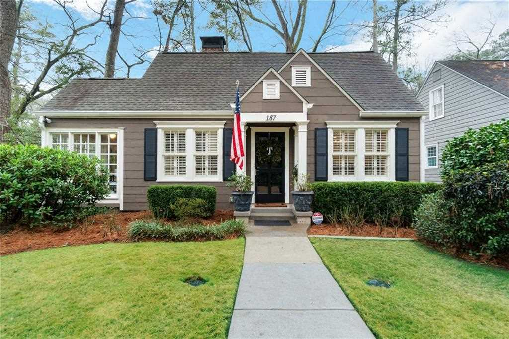 187 Eureka Dr NE, Atlanta GA 30305, MLS # 6502658 | Peachtree Hills Photo 1
