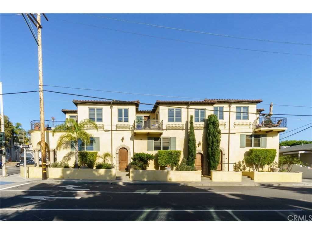 1118 N Ardmore Avenue in Manhattan Beach, CA - MLS# SB19022505 Photo 1