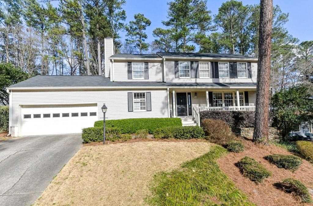 9685 North Pond Circle, Roswell, GA 30076 - Premier Atlanta Real Estate Photo 1