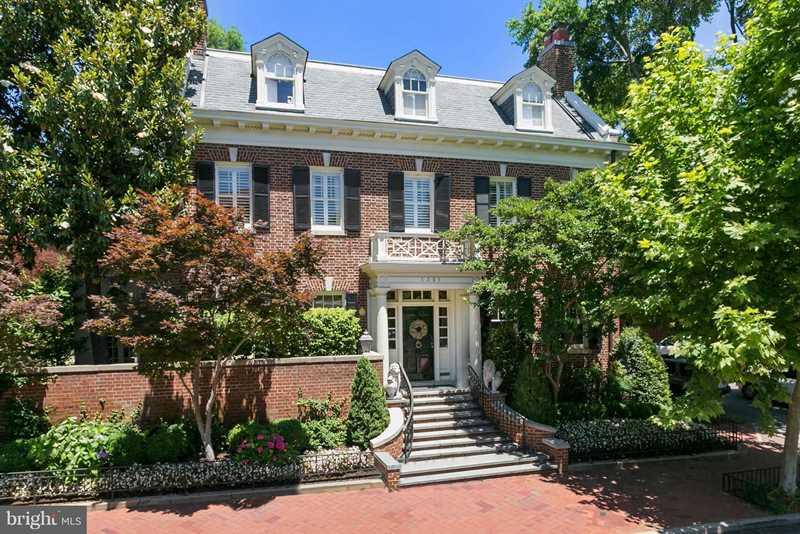 Georgetown  Washington DC | 3301 N St NW | washingtondcrealestate.com Photo 1