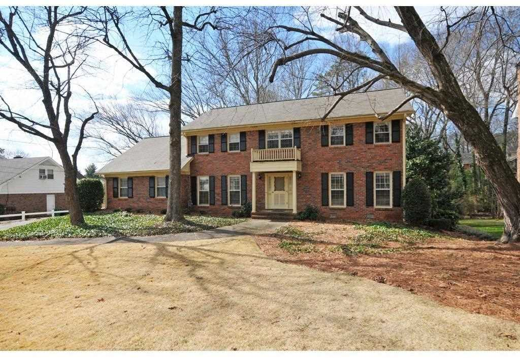5135 Meadowlake Ln, Dunwoody, GA 30338 - Premier Atlanta Real Estate Photo 1