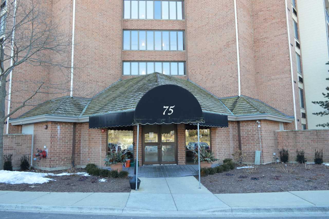 75 Kristin Circle #622 Schaumburg, IL 60195   MLS 10263903 Photo 1