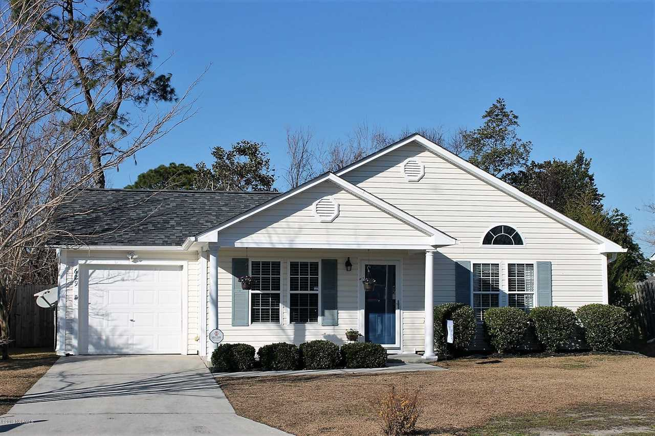 Home For Sale At 629 Brewster Lane, Wilmington NC in Brewster Place Photo 1