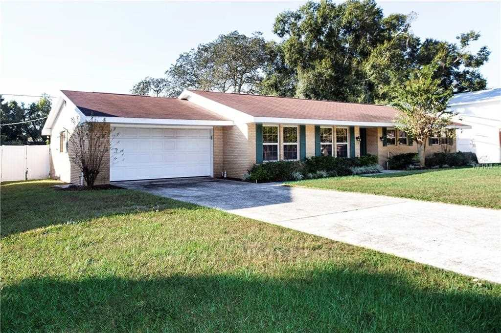 519 Charles Place Brandon, FL 33511 | MLS T3135486 Photo 1