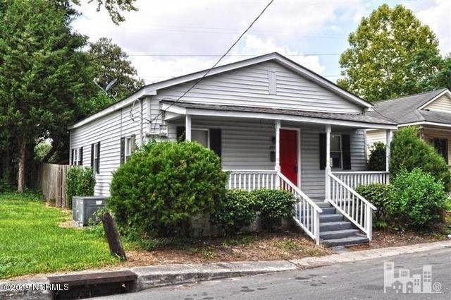 Home For Sale At 208 Gores Row, Wilmington NC in Not In Subdivision Photo 1