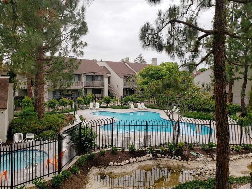 10580 N Lakeside Drive #J Garden Grove, CA 92840   MLS PW19009019 Photo 1