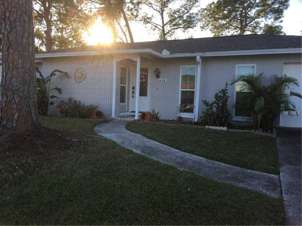 6820 Robinswood Lane Tampa, FL 33634 | MLS T3145650 Photo 1