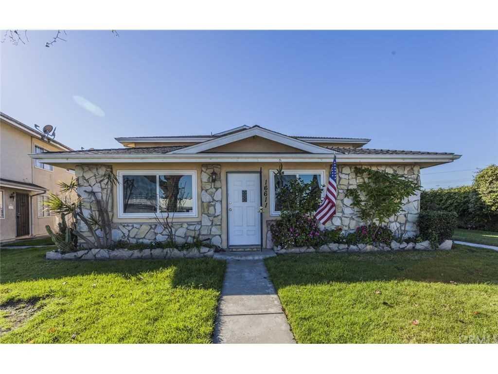 16611 Viewpoint Lane #1A Huntington Beach, CA 92647 | MLS OC19031531 Photo 1