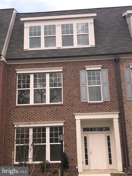 5942 Clapton Ct For Sale in Alexandria Photo 1