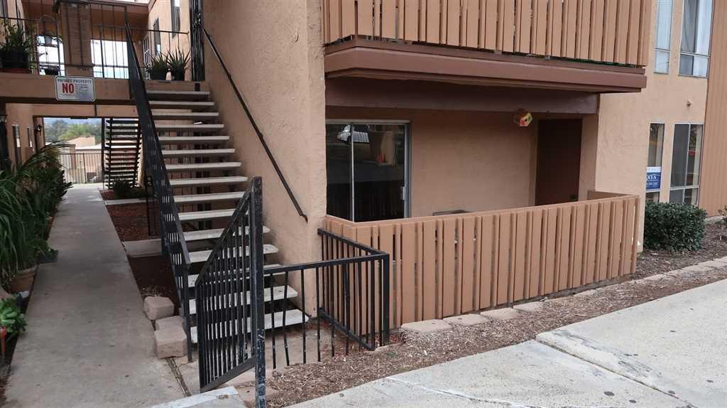 1051 Rock Springs Rd Escondido, CA 92026 | MLS 190002597 Photo 1