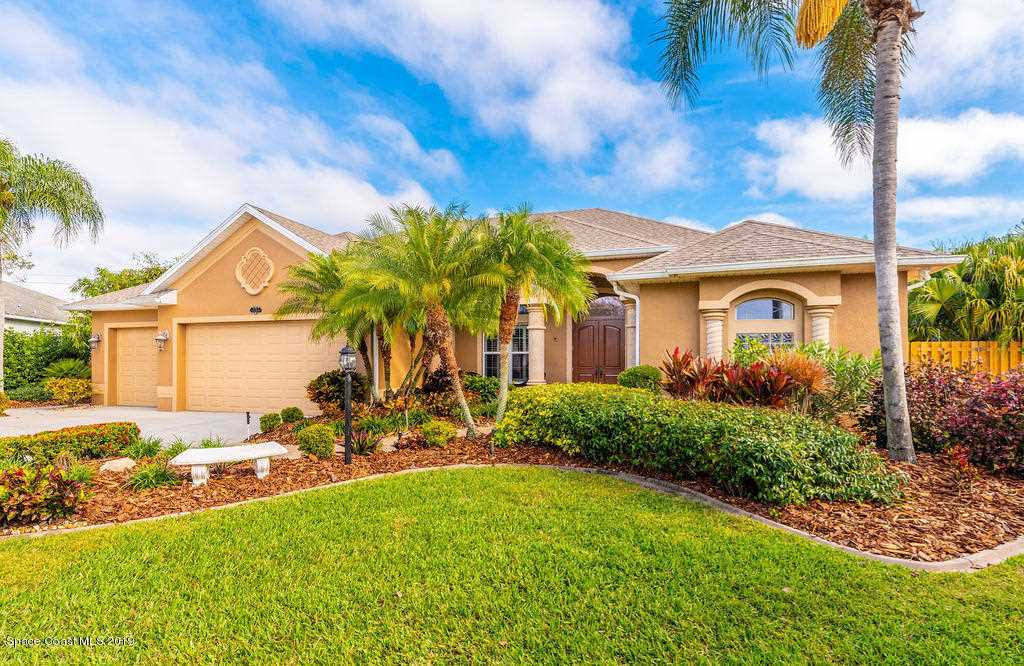 2263 Woodfield Circle West Melbourne, FL 32904 | MLS 836630 Photo 1
