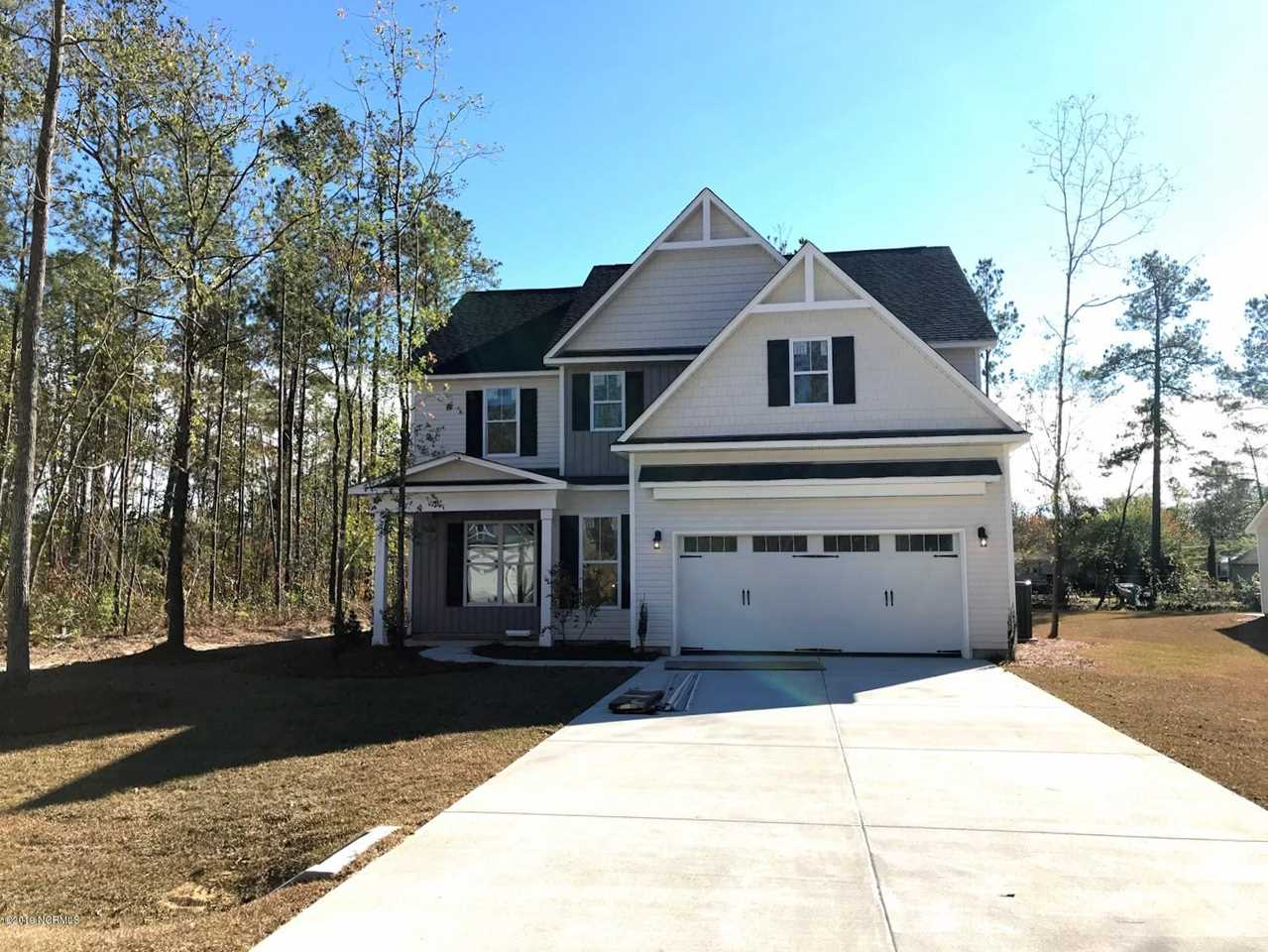 Home For Sale At 357 Bronze Drive, Rocky Point NC in The Knolls At Turkey Creek Photo 1