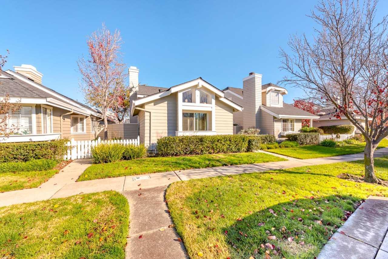 309 Beacon Shores Dr Redwood Shores, CA 94065 | MLS ML81734390 Photo 1
