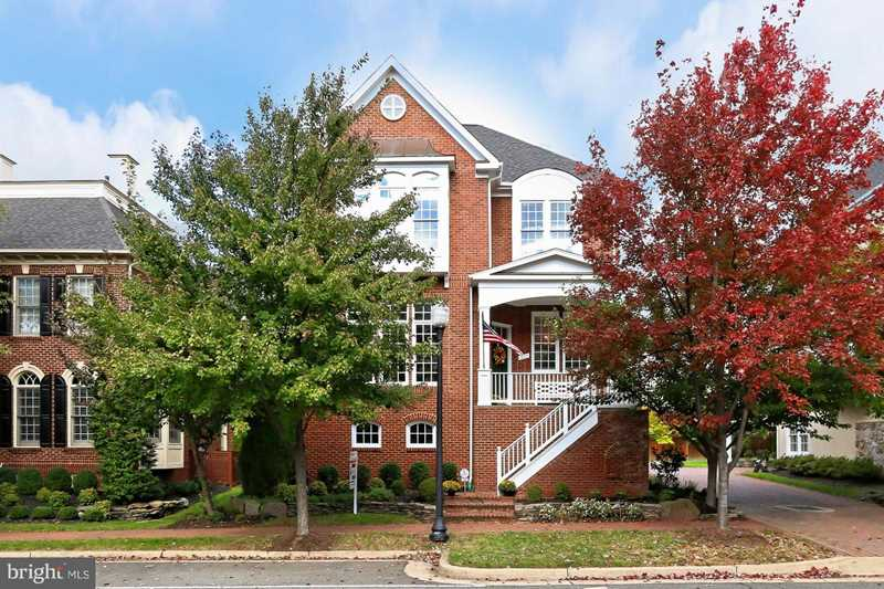 331 Cameron Station Blvd Alexandria VA 22304 - MLS #1009999368 Photo 1